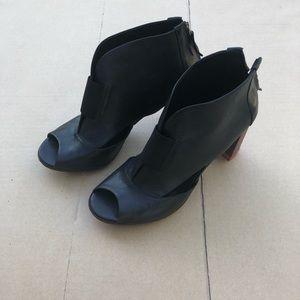 Masiero Black Leather bootie
